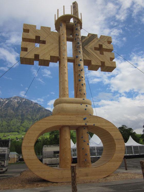 Über allem wacht das Wahrzeichen: der Nidwaldner Schlüssel (Bild www.iheimisch.ch)
