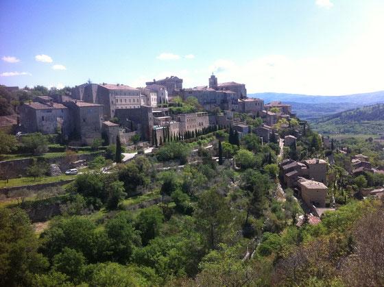 Das Städtchen Gordes in der Provence