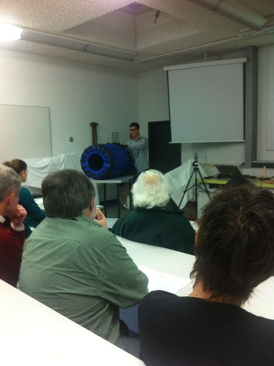 Präsentationstag der Matura-Arbeiten: Vitus Durandi mit seiner Luftkanone