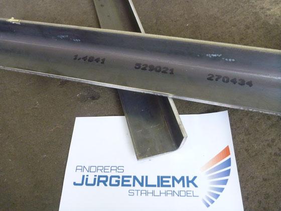 gekantete Winkel aus hitzebeständigem Stahl im Werkstoff 1.4841