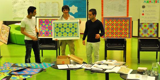 Leerlingen van het Cosmicus College Rotterdam presenteren hun ontwerp tijdens een presentatieavond, sept. 2011. Foto Elise en Madelon Vonk