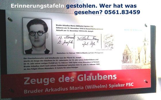 Gestohlen: Erinnerungstafeln am Glaubenszeuge und Märtyrer