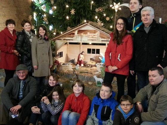Frohe und besinnliche Weihnachten wünschen die Krippenfreunde von Sankt Laurentius Kassel