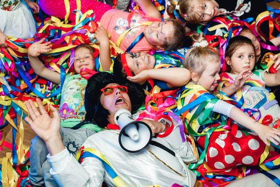 Лента шоу для детей на детский праздник и день рождения ребенка в Москве