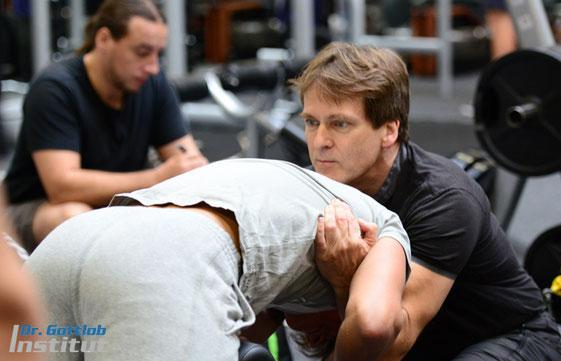 Power-Rücken-Coach Lehrgang Dr. Gottlob Institut für Personal Trainer, Physiotherapeuten, professionelle Fitnesstrainer, Sportlehrer usw.