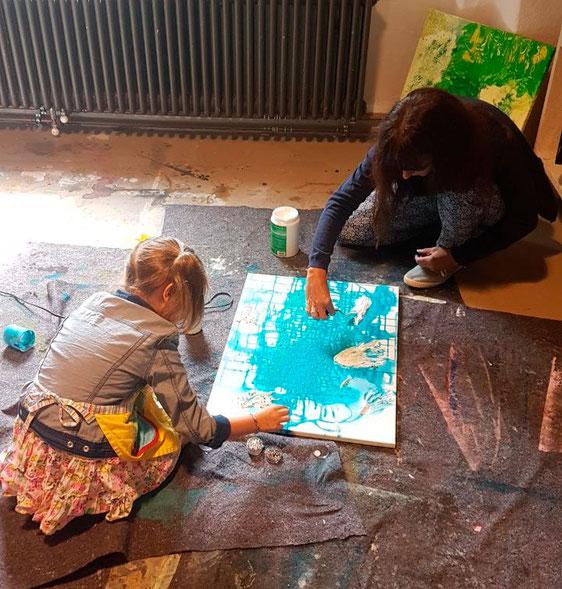 Kunstakademie-Kloster-Neustift-Suedtirol-Italien-Marion-Haas-Dozentin-Kunstkurse-Malkurse-Kinder-fördern-Jugebdliche-fördern-Kunsttherapie-Maltherapie-Rheingau-Collagen-Farben-Kunst-jugend-kreativ-sein-Sommeratelier-Malferien-Malurlaub-kreative-Auszeit-