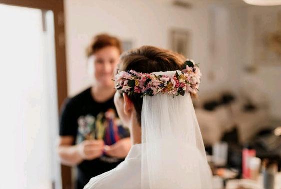detalle de tocado de novia