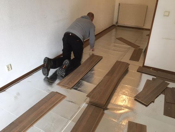 dit is namelijk geheel afhankelijk van het soort vloerbedekking een vloerbedekking verwijderen van de trap woonkamer of slaapkamer is een vervelende en