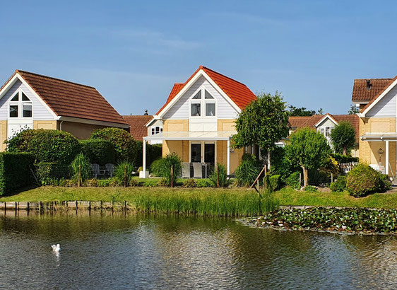Strandvilla in Zeeland - Terrasse mit Seeblick