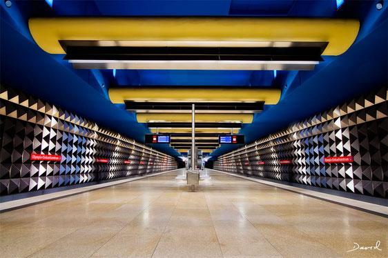 U-Bahnhof Olympia Einkaufszentrum München HDR