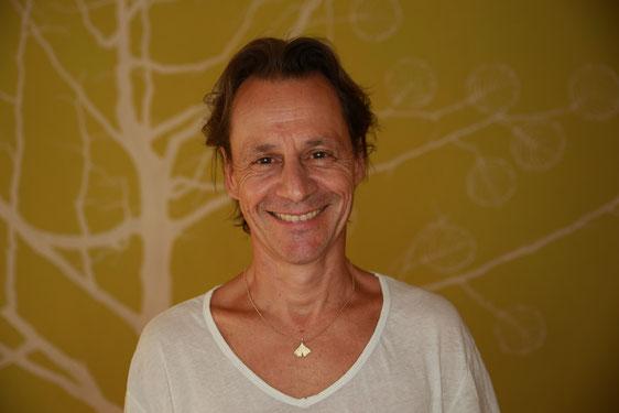 Hatha Yoga total mit Johannes Glarner im Raum der Achtsamkeit in Rupperswil