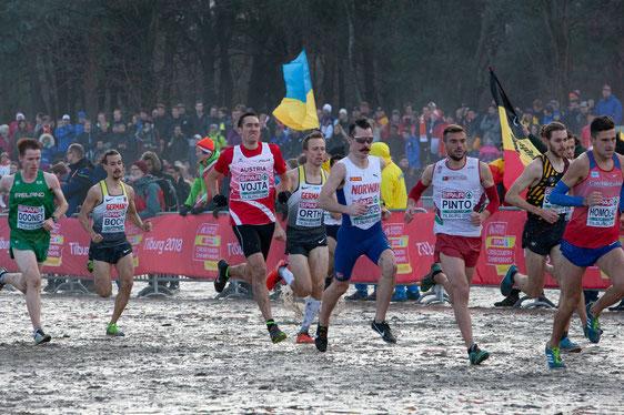 Andreas Vojta, hier direkt hinter Henrik Ingebrigtsen, hatte schwer zu kämpfen bei der EM (Foto: ÖLV/Veranstalter)