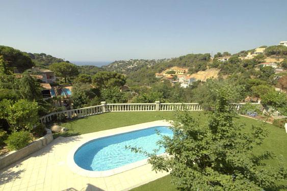 Votre villa de vacances à louer sur la Costa Brava avec l'agence ab-villa. Location villa Lloret de Mar, location villa Tossa de Mar, location villa Blanes, location villa Begur, location villa Tamariu.