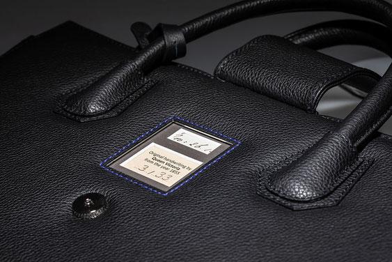 Das Geheimnis der Luxus-Handtasche: Original-Schriftstücke weltberühmter Persönlichkeiten