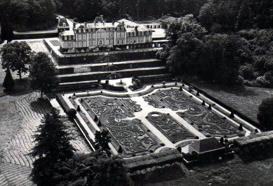 Le château de Sassy et ses jardins à la française