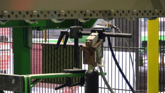 Dispositivo automático para pegamento