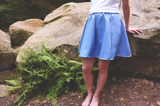 Jupe pétale ecchymose couleur bleu
