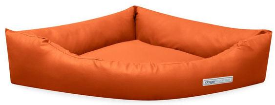 Dogsfavorite Hundebett Dogs Corner in der Farbe Orange. SALE
