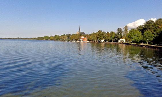 """Die """"Skyline"""" von Vadstena."""
