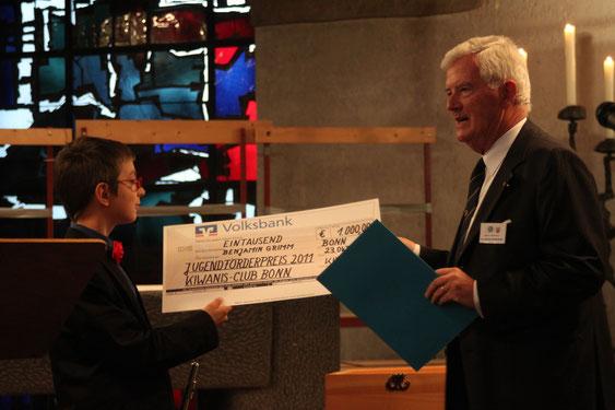 Preisträger B. Grimm, Manfred Wellenbeck (Präsident des KC Bonn) - Foto: KC Bonn