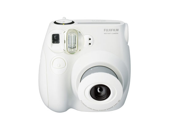 מצלמת פוג'י לפיתוח מיידי   אולי תרצו במקום המגנטים