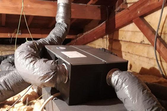 vmc double-flux installée dans un grenier