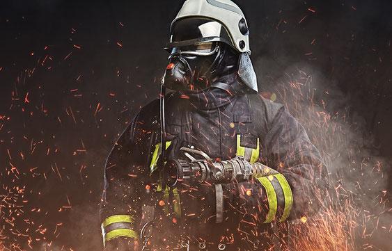 Feuerwehrmann in Schutzkleidung