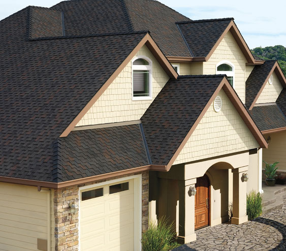 dach pokryty gontem GAF model Grand Canyon w kolorze Black Oak