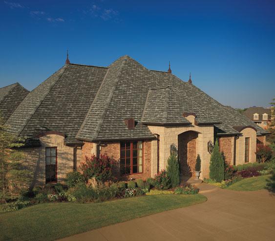 dachy pokryte gontem GAF model Camelot w kolorze Aged Oak