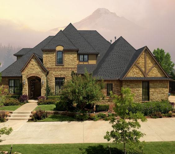 Dom pokryty gontem, gont, gonty, GAF, Timberline HD w kolorze Charcoal