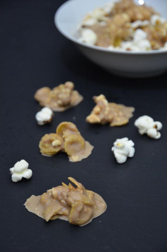 Nougatflakes mit Popcorn