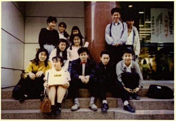 河合塾で講師アルバイトをしていた頃の奈良と生徒。1985-1987