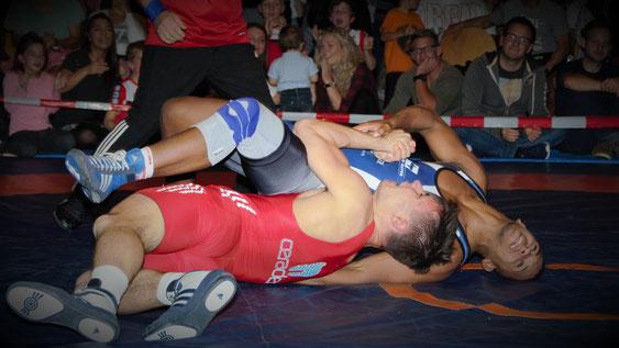 Schamil Feitl überrascht mit einem Sieg gegen den Olympiateilnehmer Soler aus Puerto Rico im Dress des KSV Götzis