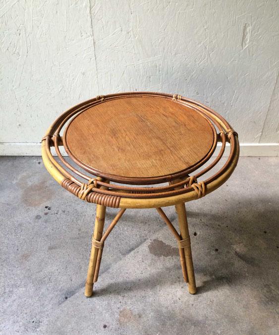 table rotin vintage, Louis Sognot, bout de canapé rotin