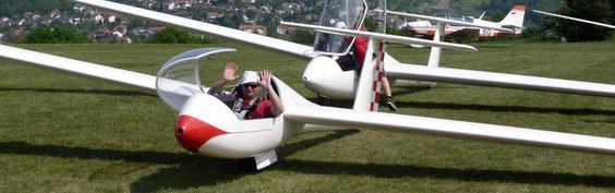 Fröhlicher Flugschüler kurz vor einem Start mit dem Astir CS