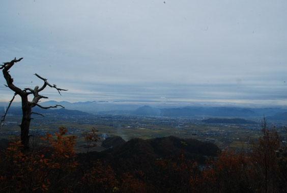 三床山山頂展望台から