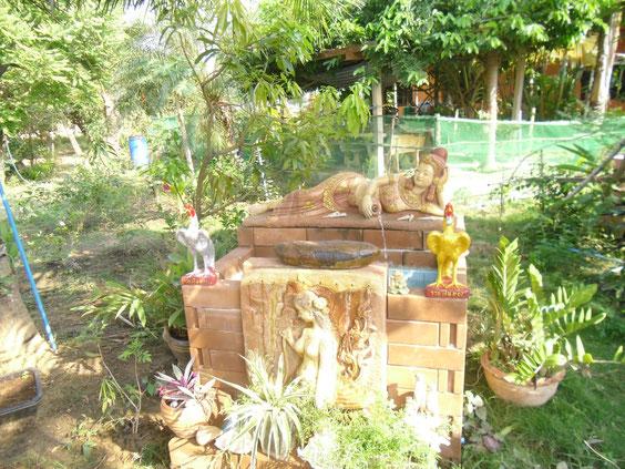 Brunnen im Gartenrestaurant