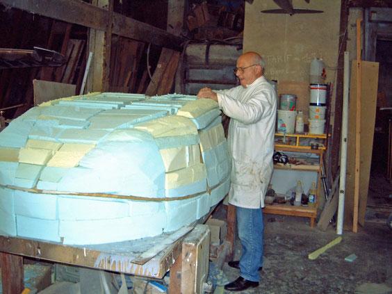 Claude T: Préparation du moule de la verrière