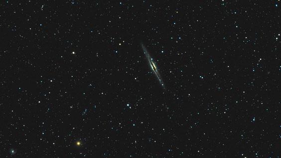Edge-on galaksija NGC 891