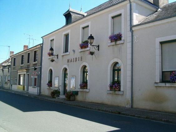 La mairie de St Christophe-en-Bazelle