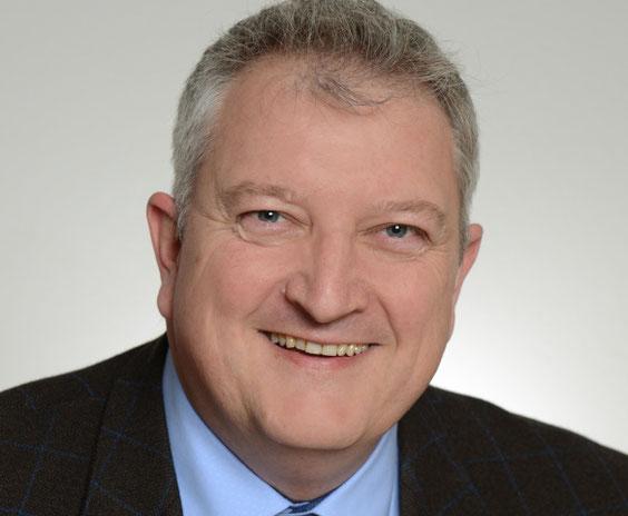 Marc Bergweiler berät Mitglieder des Standox Werkstattnetzwerks Repanet zu Qualitätsmanagement und Zertifizierung.