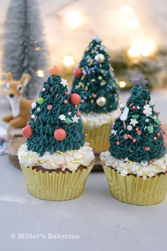 Tannenbaum Cupcakes mit Tonka - Sahne - Spitze
