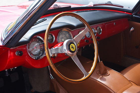 Ferrari 250 GT Lusso - by Alidarnic (Modena Trackdays 2011)