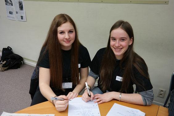 Unsere zwei Chefredakteurinnen Anne-Sophie Jost und Rebecca Mertens
