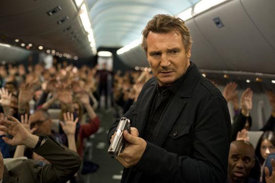 """Liam Neeson im Film """"Non Stop"""". Foto: dpa"""