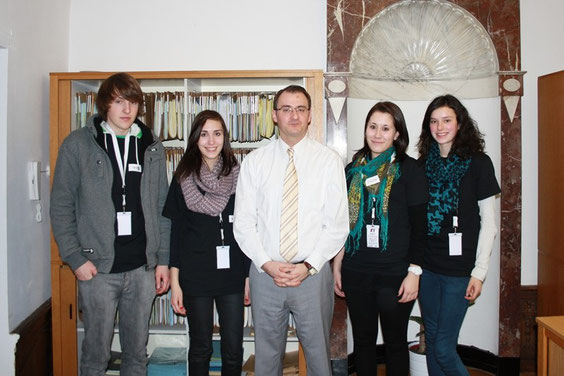 Die Journalisten für einen Tag mit Rechtsanwalt Yves Derwahl