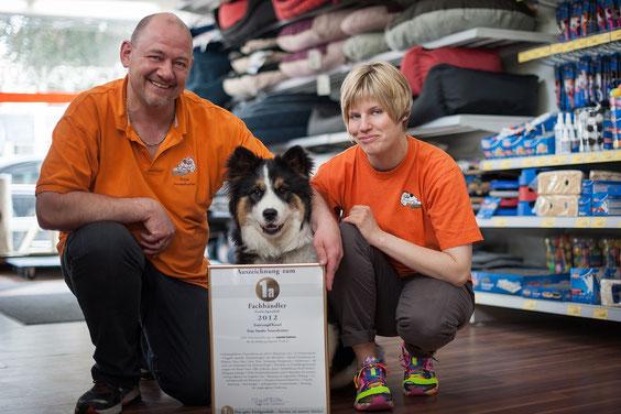 Ernährungsberaterin Sandra Sossenheimer mit Ehemann Frank und Hund Winnie