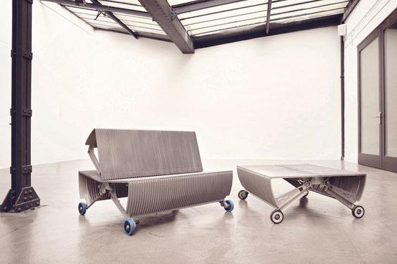"""Sitzmöbel aus Rolltreppenelementen: """"Cooler und kreativer kann man sein Wohnzimmer wirklich nicht einrichten"""""""