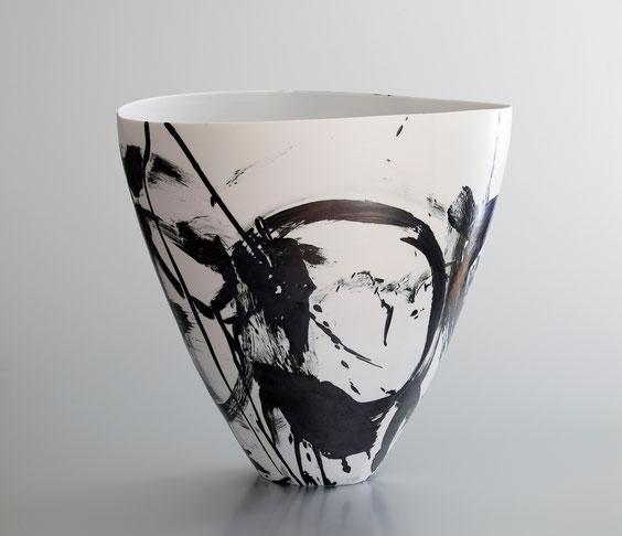 Karin Bablok | Porzellanunikat gestisch bemalt | 45cm x 40cm