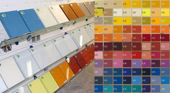 farbige Küchenrückwände aus Glas